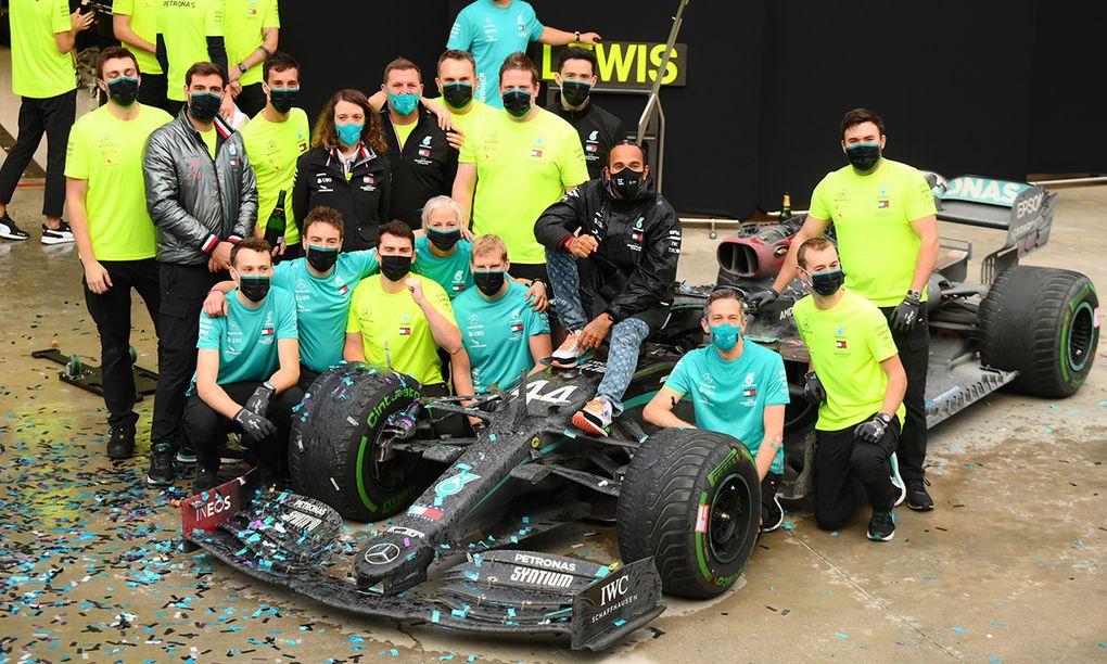 Hamilton historisk efter vinst i Turkiet – större än Schumacher