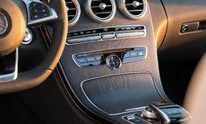Mercedes C-klass och BMW i3 får pris för årets bästa interiörer