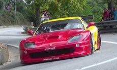 """Ferrari 550 GT på full attack i en backtävling – det blir """"örgasm"""""""