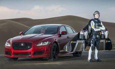 Jaguar XJR möter Jetmannen – vem är snabbast?