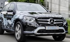 Mercedes GLC F-Cell är en bränslecellsbil som går att ladda