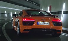 Audi R8 reklamfilm förbjuden i Storbritannien – uppmanar till fortkörning