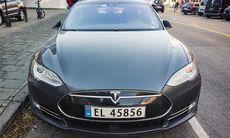 Tesla gör upp med besvikna Model S-ägare i sista sekunden