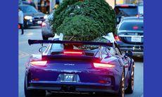 Porsche 911 GT3 RS funkar utmärkt för att köpa julgran