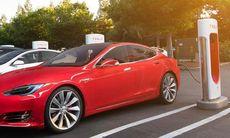Tesla inför avgift för alla som blockerar superladdarna