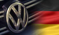 Volkswagen skrotar tyska och byter till engelska – och språkföreningen rasar