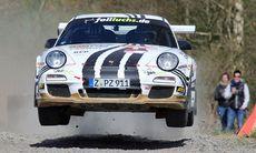 Porsche 997 GT3 RS i rallyskogen – finns det vackrare motorsång?