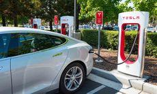 Tesla släpper nya detaljer om Supercharger – så mycket kostar det att ladda