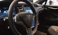 Tesla börjar skicka ut uppgraderad Autopilot – hastighetsbegränsningen är borta