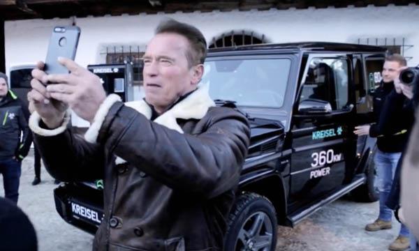 Mercedes G-wagen på gång med eldrift