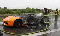 lamborghini-aventador-burns-to-a-crisp-on-german-autobahn_2.jpeg