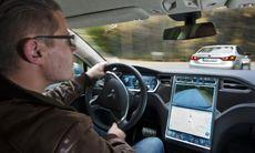 Film: BMW M550d mot Tesla och Lexus