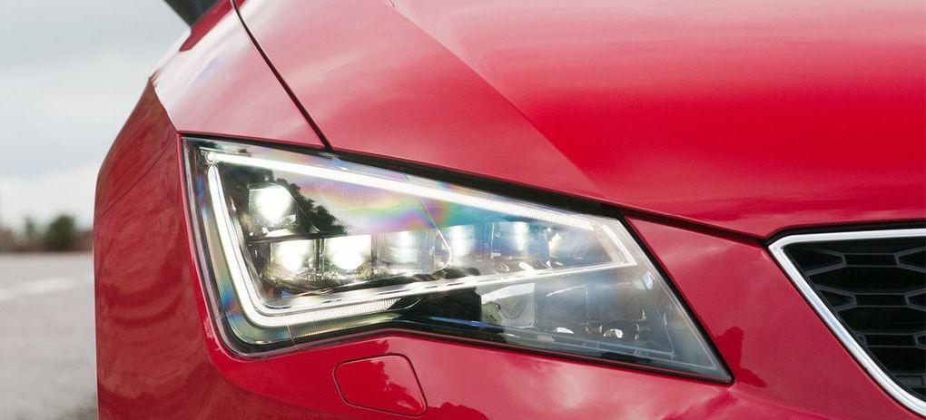 Dacia och seat kar p tr g bilmarknad auto motor sport for Mueble 2 din seat leon 1m