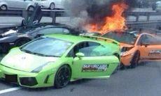 Tre Lamborghini krockar – och börjar brinna
