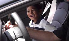 Drömmen för 7-åringen – fick åka Lamborghini Aventador