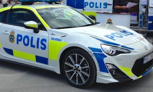 Tyck Till Vilken Sportbil Ska Svenska Polisen K 246 Pa In
