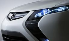 Opel kan lägga ned Ampera – laddhybriden som aldrig slog Prius