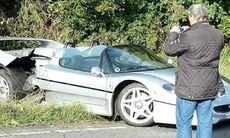 Ferrari F50 förstörd i allvarlig olycka