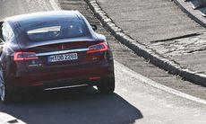 Reportage: Möt Elon Musk - geniet bakom Tesla