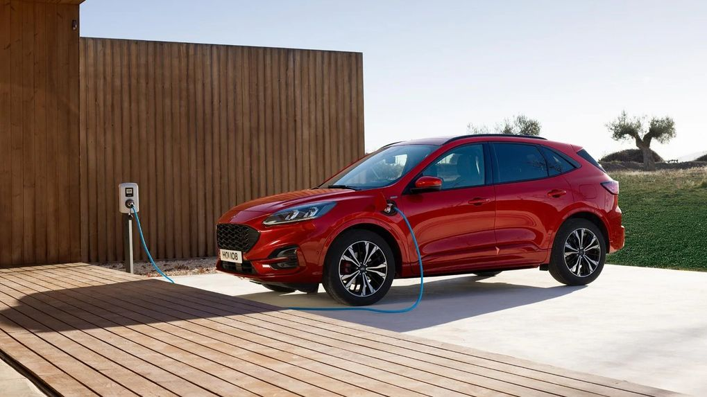 Ford Kuga Plug In Hybrid Recalled May Start To Burn