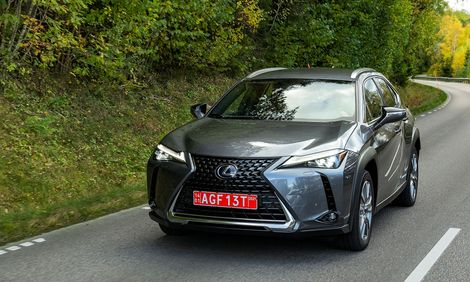Lexus UX 300e: A swing and a miss